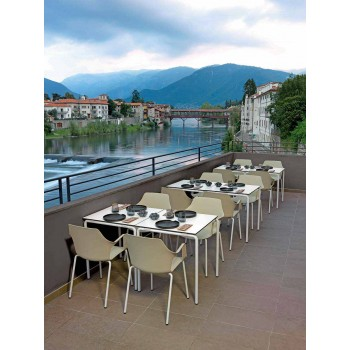 4 sillas apilables de exterior en polipropileno y metal Made in Italy - Carlene