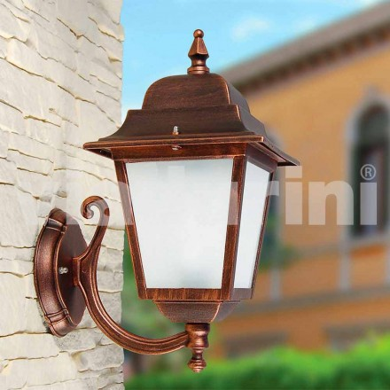 Lámpara de pared para exterior fabricada en aluminio, producida en Italia, Aquilina.