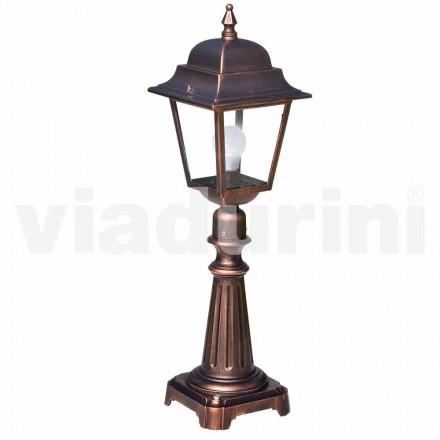 Lámpara de pie para exterior fabricada en aluminio, producida en Italia, Aquilina.