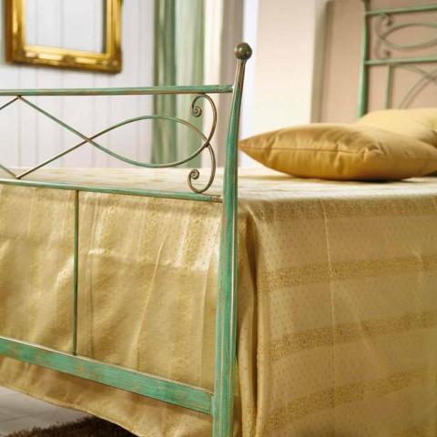 cama individual y una media de cobre Gabriella verde de hierro batido