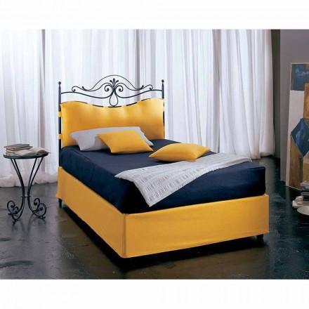 Una cama de plaza y media Hierro forjado Lira