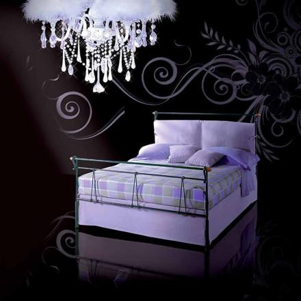 Una cama de plaza y media Hierro forjado Perseo