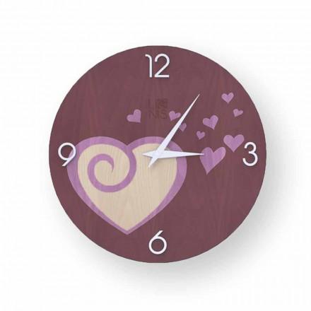 Reloj de pared de diseño de madera con corazones Todi, hecho en Italia.