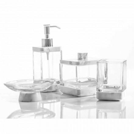 Accesorios de baño modernos en mármol calacatta y cristal carona.
