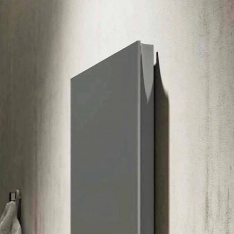 Radiador hidráulico de diseño moderno producido en Italia por Fidenza.