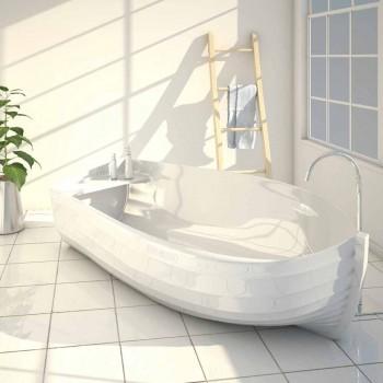 Bañera de diseño en forma de barco Ocean fabricado en Italia.